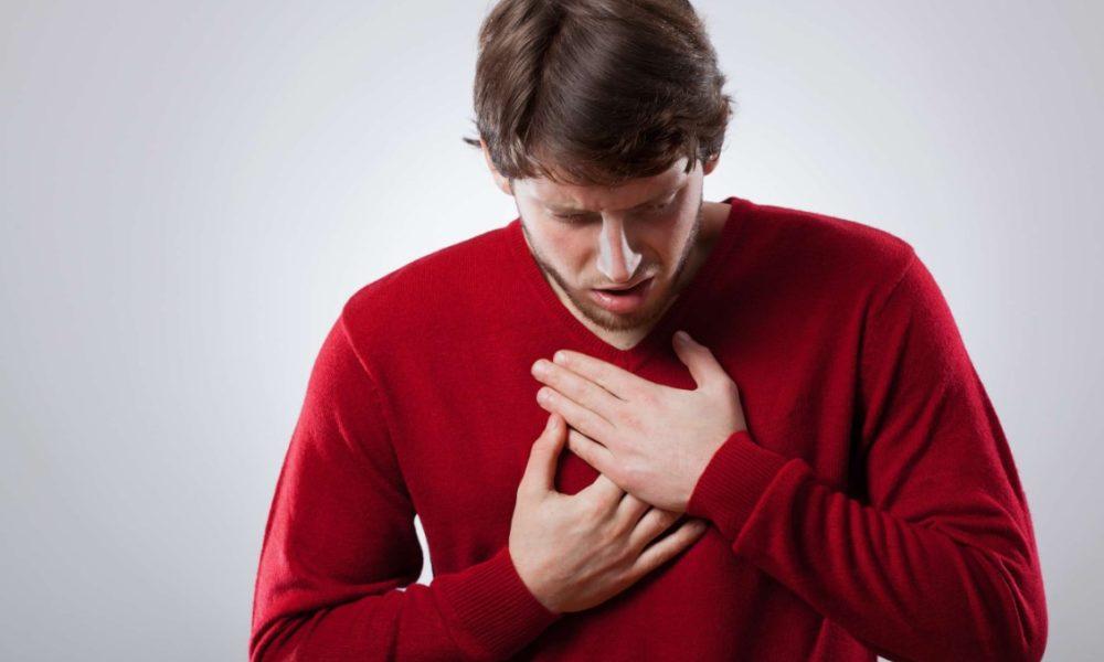 При кашле болит в грудной клетке