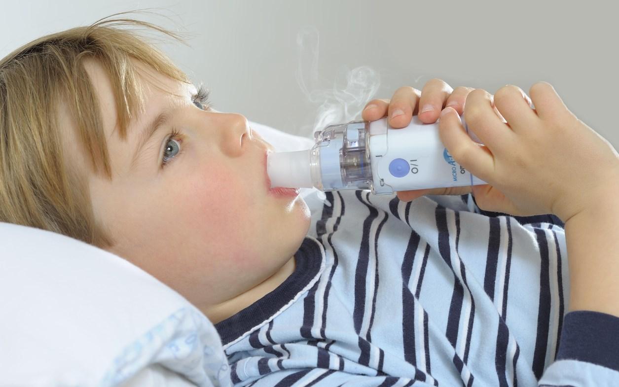 Ребенок дышит ингаляция