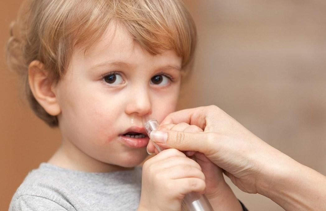 Промыть нос ребенку при кашле