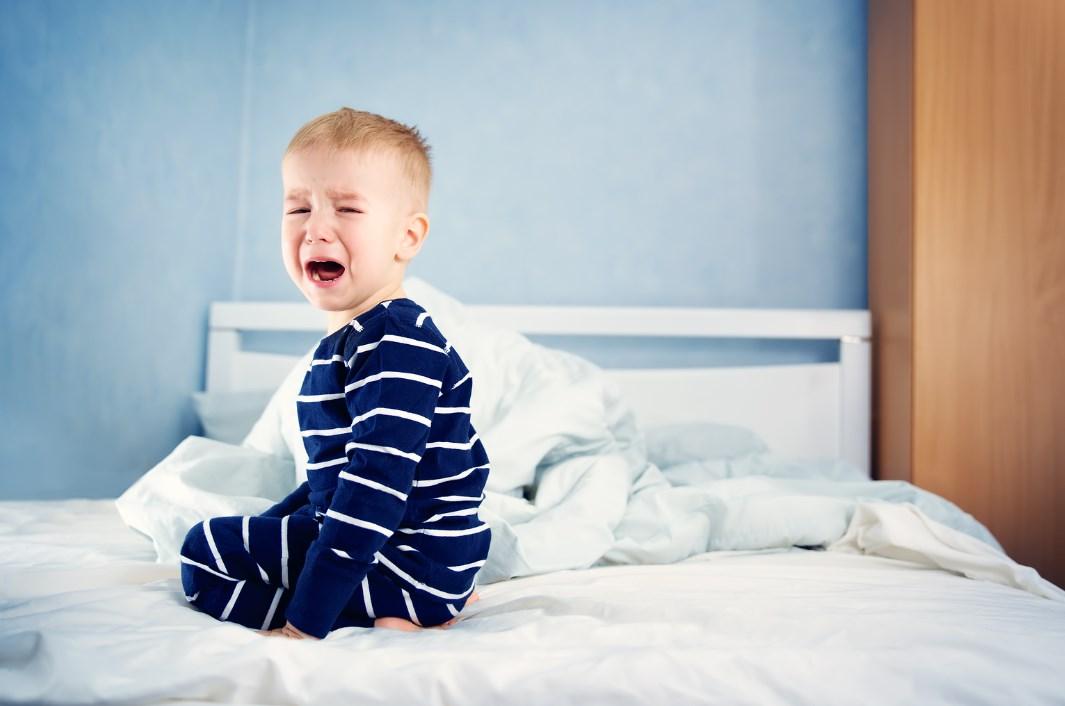 Ребенок кашляет и плачет ночью